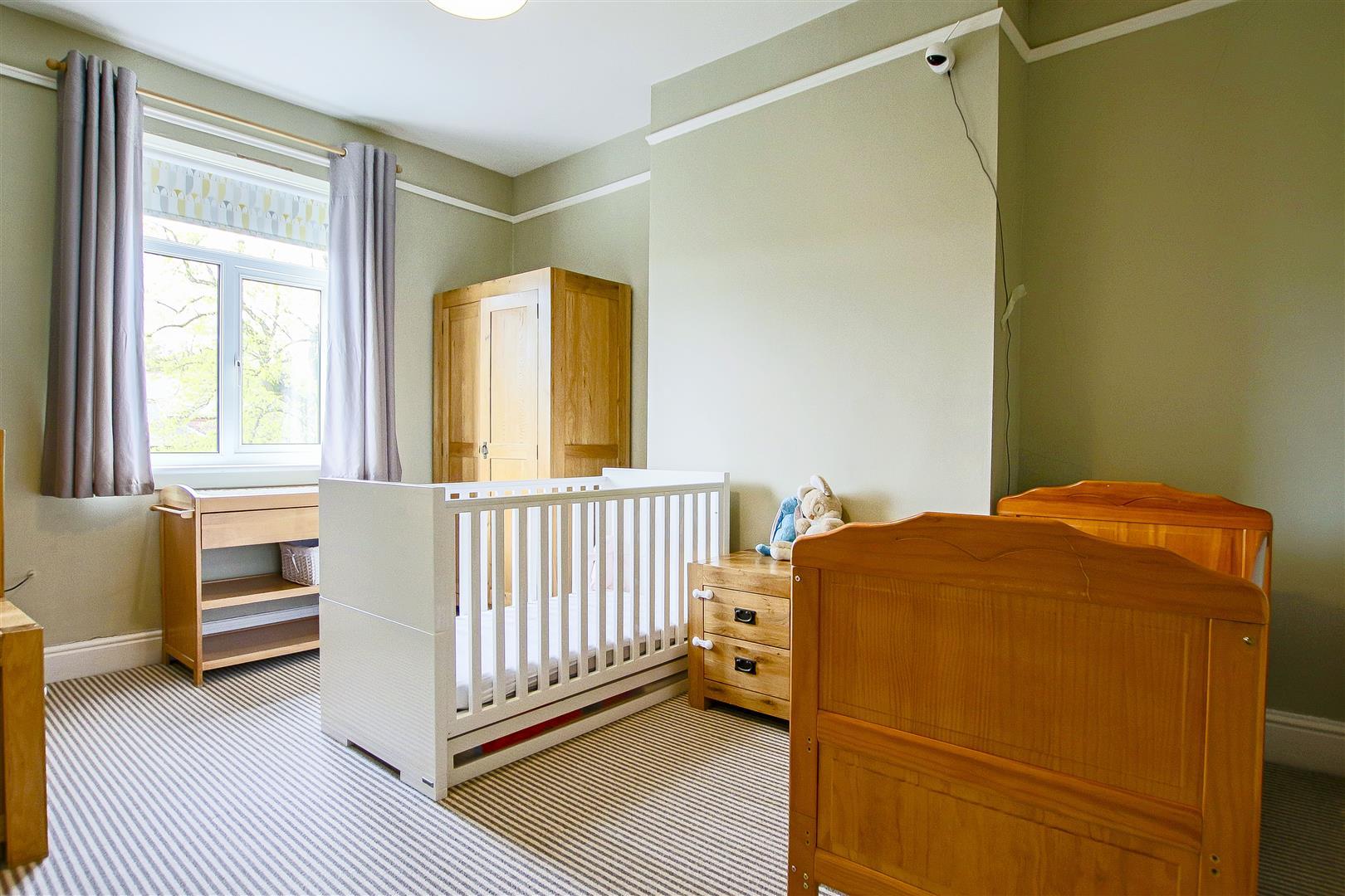 4 Bedroom Semi-detached House For Sale - 7.jpg